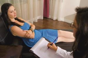 Психотерапевт поможет справиться с арахнофобией