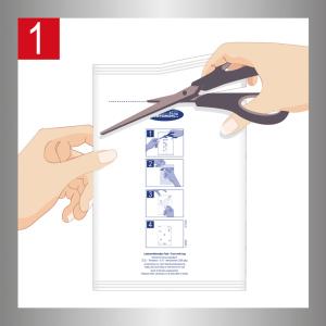 Срежьте верхнюю часть упаковки и выньте одну клеевую ловушку.