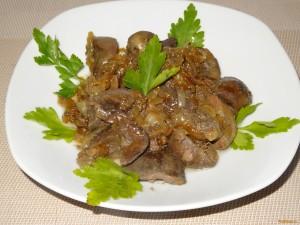 Свиные почки с грибами по-литовски