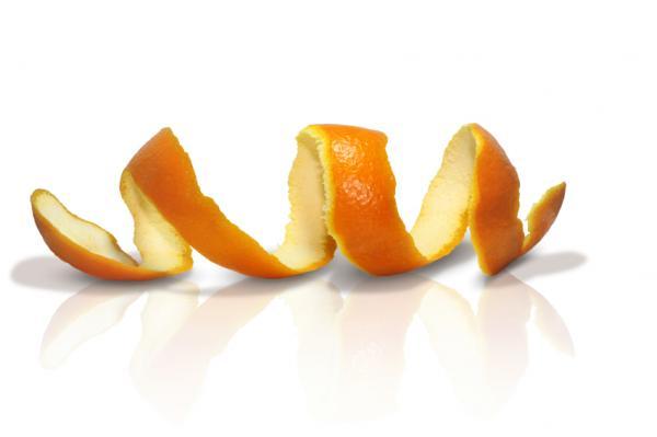 Апельсиновые корки от моли.